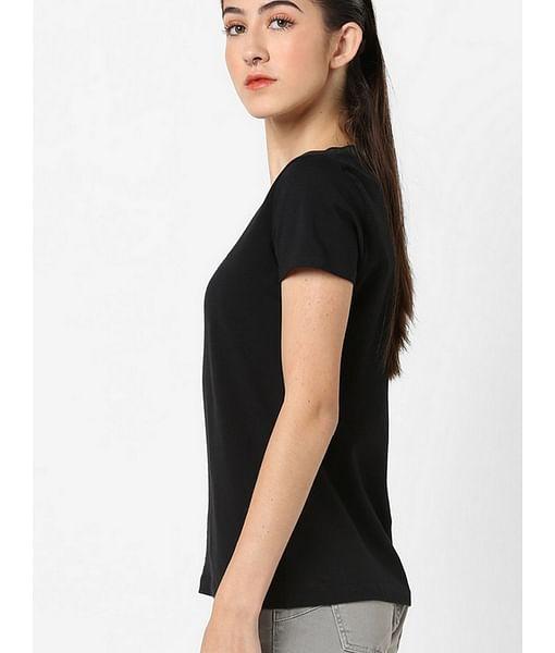 Women's slim fit round neck half sleeves embellished Doll logo strass t-shirt