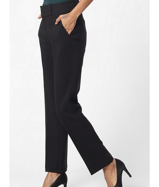 Women's regular fit mid rise Bhelty trousers