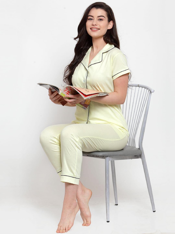 Secret Wish Women's Yellow Cotton Solid Nightsuit
